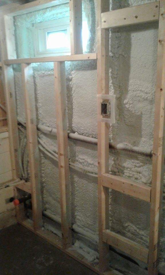 Eco Insulation - Spray foam on wall